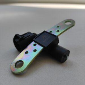 Датчик оборотов коленчатого вала Largus 1.4-1.6-1.8 с 2007-8200643171 (408.3847)